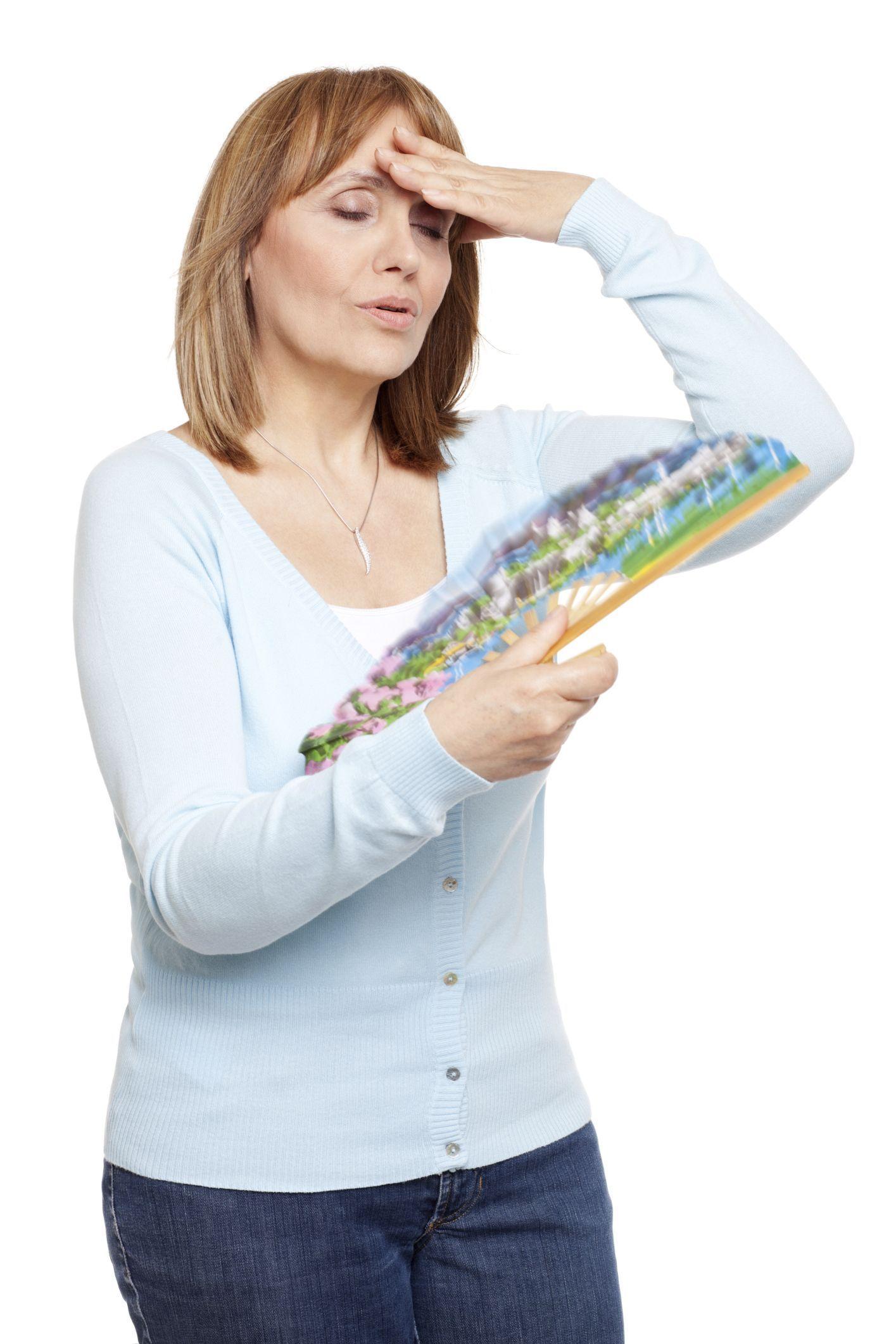 ¿Por qué la menopausia pasa factura a la salud bucodental de las mujeres?