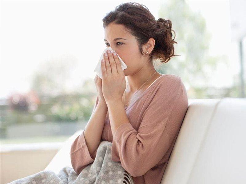 ¿Qué recomendaciones debo seguir para aliviar mi resfriado?